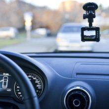 Виды автомобильных видеорегистраторов. Руководство для чайников